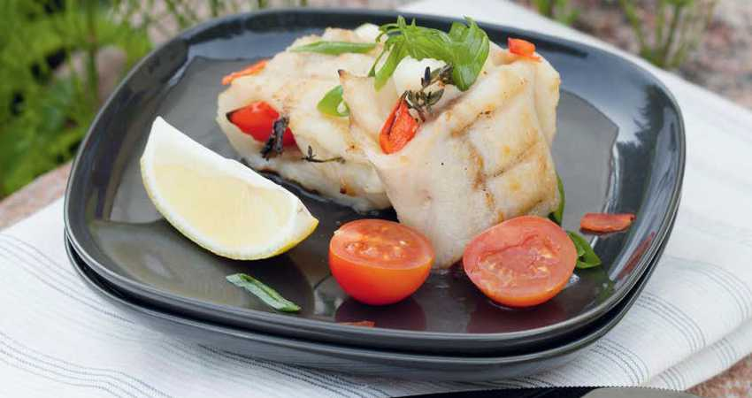 Филе белой рыбы с овощами