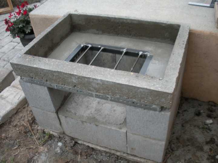 Каркас для поддувала мангала из блоков и кирпича