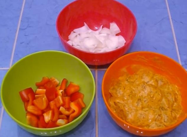 приготовление куриного шашлыка в духовке